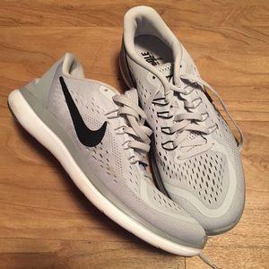NWOT Women's Grey Nike's